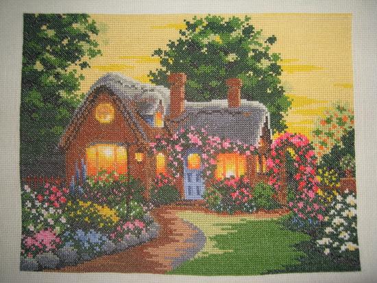 Схема вышивки крестом 'Домик в саду', скриншот.
