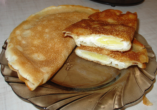 Блинчики с яйцом и сыром