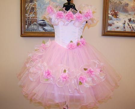 Украсить детское платье цветами
